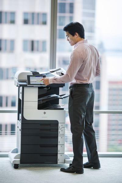 HP  Multifunktionsdrucker CF067A#B19 2